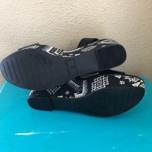 Nine West Shoes - Nine West Kailee Platform Wedge in Aztec Print 8
